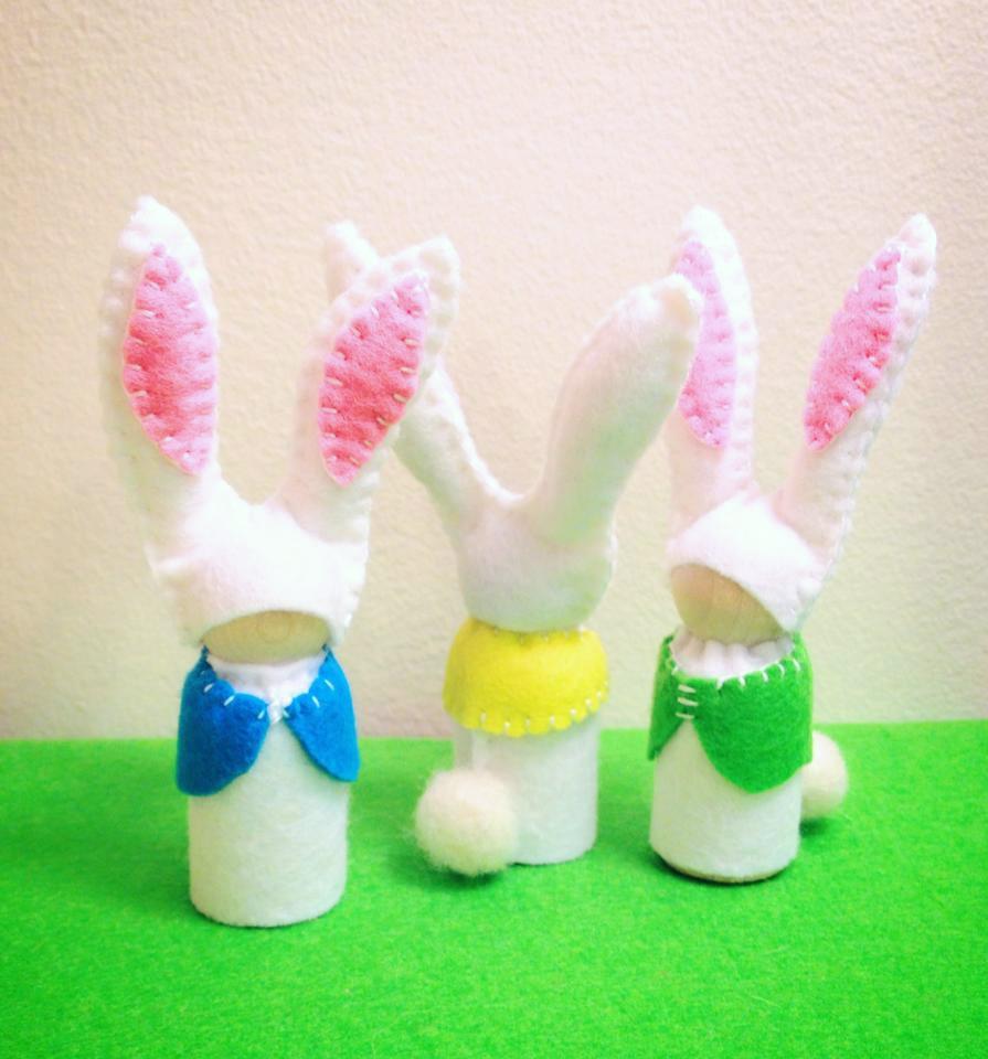 Felt bunny peg dolls