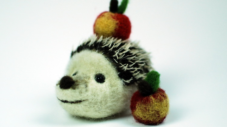 New Udemy course – Making a needle felted hedgehog!